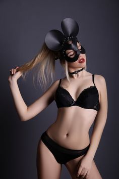 Searching for a unique mask? You have come to the right place! Get our Leather Mouse Mask at an unbeatable price. Free worldwide shipping is included when you order our Leather Mouse Mask today! Leather Mask, Leather Harness, Mouse Mask, Masquerade, Headpiece, Black Leather, Trending Outfits, Minnie Mouse, Unisex