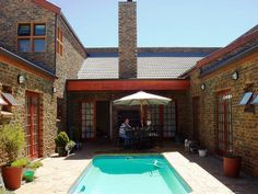 Myoli Accommodation - Myoli Accommodation offers six self-catering apartments situated in Bloubergstrand, only a short drive from Cape Town City Centre and a 30-minute drive from the Cape Town International Airport.  Much of ... #weekendgetaways #bloubergstrand #capemetropole,blaauwberg #southafrica