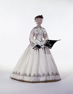 Promenade dress, ca. 1862. Reminds me of that scene in Gone With the Wind where Rhett and Scarlett and pushing Bonnie in her horse carriage.