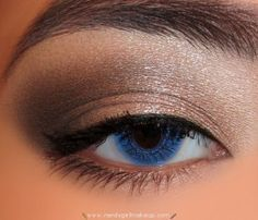 Using the Urban Decay Naked Palette