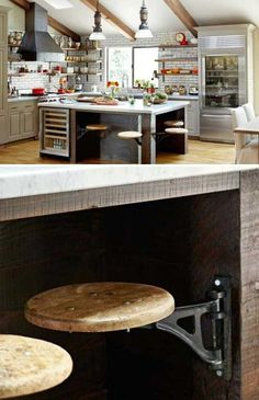 kitchen-island-with-seating.. Love this