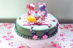 Mouse picnic cake! |