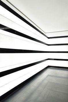 backlight black and white stripe walls