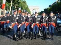 Photo de classe Le défilé du 14 juillet 2004 de 2004, Gendarmerie Nationale, Brigade Motorisé