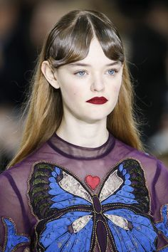 See detail photos for Mary Katrantzou Fall 2016 Ready-to-Wear collection.
