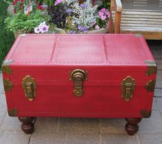 Antique Trunk/Coffee Table with Annie Sloan Chalk Paint | Hometalk
