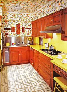 """Wallpapered ceiling, a trend I fear might be making a comeback after last night's episode of """"American Dream Builders""""!"""