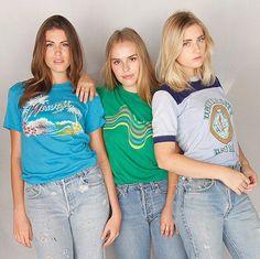 Rare Vintage 1970's University of Hawaii Poly Tee Shirt / 70's Hawaiian Shirt / Poly tee