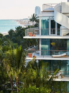 The New Miami Beach Edition Hotel Includes An Outdoor E That Pays Homage To 1950 S