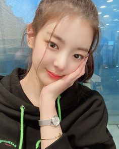 Kpop Girl Groups, Korean Girl Groups, Kpop Girls, K Pop, Comeback Stage, Kpop Outfits, These Girls, Kpop Aesthetic, Ulzzang Girl