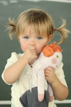 Toddler bangs and ponytail hair style So Cute Baby, Cute Kids, Cute Babies, Toddler Bangs, Toddler Haircuts, Toddler Haircut Girl, Short Haircuts, Toddler Girls, Baby Bangs