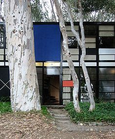 "archiclassic: ""The Eames House (Case Study House No. Architects : Charles and Ray Eames Date : 1949 Location : Pacific Palisades, Los Angeles, California Style : modern architecture The Eames House. Architecture Magazines, Art And Architecture, Robie House, Monuments, Patio Interior, Charles & Ray Eames, Los Angeles Homes, Architect House, Picture Design"