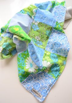 pretty green and blue quilt via Popetotrora