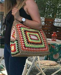 Crochet Granny Square Rectangle 48 Ideas For 2019 Crochet Shell Stitch, Crochet Tote, Crochet Handbags, Crochet Purses, Love Crochet, Crochet Crafts, Knit Crochet, Sac Granny Square, Point Granny Au Crochet