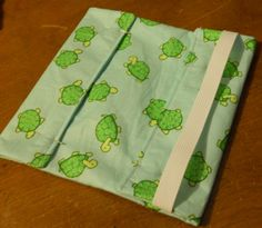 Checkbook cover tutorial Checkbook Cover, Diy Stuff, Pouches, Bag Making, Sewing Ideas, Homeschool, Projects, How To Make, Crafts