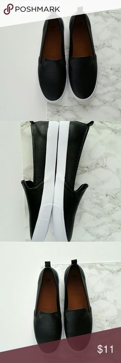 H&M Slip ons Black H&M slip ons. Never worn H&M Shoes Flats & Loafers
