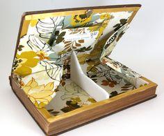 book clutch / purse from ConduitPress http://www.etsy.com/shop/ConduitPress #repurposed #books #crafts