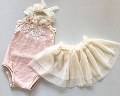 Trendy baby girl newborn clothes summer take home outfit photo props ideas Newborn Girl Outfits, Baby Girl Newborn, Kids Outfits, Newborn Clothing, Baby Girl Photography, Photography Props, Baby Dress Design, Baby Couture, Take Home Outfit