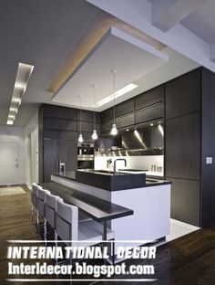 Splendid I like the floating ceiling – different color than ceiling? Love the simple lines by Urban Homes Love floating ceiling and recessed ceiling lighting The post I lik . Kitchen New York, Kitchen Ceiling, Floating Ceiling, Kitchen And Bath, Modern Kitchen, Contemporary Kitchen Design, Contemporary Kitchen, Ceiling Design, Kitchen Design