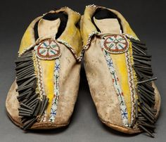 A) Beaded Comanche moccasins Native American Moccasins, Native American Clothing, Native American Regalia, Native American Beauty, Native American Crafts, Native American Artifacts, Native American Beadwork, American Indian Art, Native American History