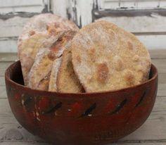 Birkkalan hiivattomat spelttileipäset Muffin, Bread, Breakfast, Food, Muffins, Breads, Hoods, Meals, Cupcake