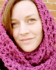 Crocheting: Chunky Crochet Cowl