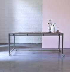 Table en bois recyclés et métal 180x90 Atelier kaki