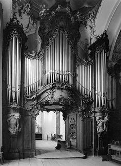 langoaurelian:  Rococo Organ