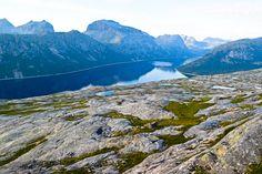 Heggmovatnet på vei til Blombakkfjellet     http://www.tursiden.no/heggmovatnet-pa-vei-til-blombakkfjellet/
