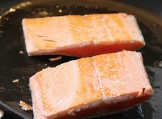 I happen to love salmon but I forget to take it out of the freezer for dinner. Does that happen to you? I am going to help you out because I have learned how to cook salmon from frozen. Pan Fried Salmon, Pan Seared Salmon, Grilled Salmon, Sockeye Salmon Recipes, Baked Salmon Recipes, Grilling Recipes, Seafood Recipes, Cooking Recipes, Healthy Recipes
