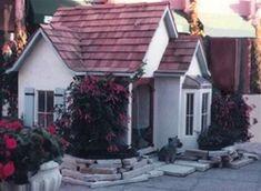 this is le petite maison dog house
