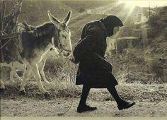 '' Hayat, insanın yaşadığı değildir; aslolan, hatırladığı ve anlatmak için nasıl hatırladığıdır.'' / G.Garcia Marquez Photographs Of People, Vintage Photographs, Old Pictures, Old Photos, Zorba The Greek, Man Beast, Greek History, Crete, Corfu