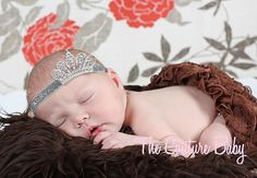 all your babies will wear a tiara headband. Tiaras And Crowns, Baby Crowns, Silver Tiara, Baby Princess, Beautiful Gift Boxes, Baby Headbands, Baby Kids, Shabby Chic, Girl Outfits