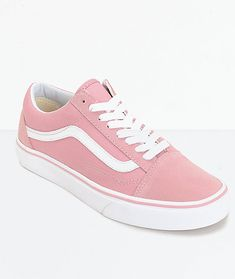 For the added touch of a pastel skate style to your daily outfit reach for these Old Skool skate shoes from Vans. The new zephyr color screams color while the padded tongue and collar, cushioned footbed, and low-top silhouette will give you ultimate comfo Vans Girls, Girls Shoes, Vans Outfit Girls, Shoes For Teenage Girls, Ladies Shoes, Girls Footwear, Surf Girls, Vans Shoes Women, Clothes