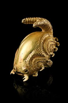 Virtual Artifacts — virtual-artifacts: Golden ringsin form of a... Ethnic Jewelry, African Jewelry, Jewelry Art, Gold Jewelry, Jewellery, Antique Gold, Antique Jewelry, Vintage Jewelry, History Of Ghana