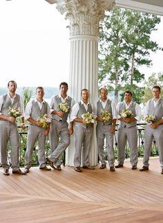 Photography: Virgil Bunao Fine Art Weddings - virgilbunao.com  Read More: http://www.stylemepretty.com/2012/08/20/lexington-wedding-from-virgil-bunao-fine-art-weddings/