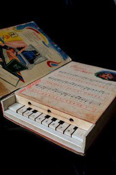 Brinquedo Antigo Escola Musical Livro Piano da Estrela Década de 50