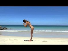 A beach yoga flow incorporating a gentle sunsalutation and basic postures as warm up. With added headstand practice at the end showing the steps to get into . Improve Flexibility, Beach Yoga, Body Electric, Toning Workouts, Yoga Sequences, Yoga Flow, Yoga Inspiration, Pilates, Stretches