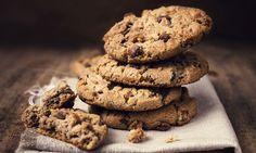 Bolachas Cookies & Cream - uma doce tentação. Siga a receita e faça umas deliciosas bolachas de chocolate, que farão sucesso no seu próximo lanche.