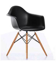 Chaise daw  À l'occasion du concours « Low Cost Furniture Design » du Museum of Modern Art de New York, Charles et Ray Eames ont présenté les créations du Plastic Chair Group. Ces premiers sièges synthétiques de fabrication industrielle arrivèrent sur le marché en 1950.  Designer :CHARLES & RAY EAMES Marque :VITRA Couleur :NOIR Dimensions : L 62,5cm P 60cm H 80,5cm Assise 41,5cm  #Jbonet #design #Vitra