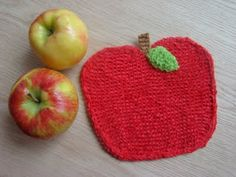 Susan B. Anderson: Apple Washcloth Free Pattern. I like the thought of using recycled pieces of fabric. The main apple part should be a stiff fabric. Possible used as coasters.