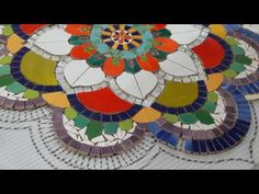 Tile Crafts, Mosaic Crafts, Mosaic Projects, Art Projects, Mosaic Tile Art, Mosaic Glass, Glass Art, Diy Bird Bath, Stained Glass Crafts