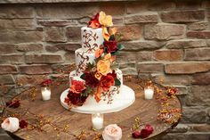 #fallweddingcake at #hopewellvalleyvineyards #sugarflowers and graphic vines create a dramatic #weddingcake by www.mydaughterscakes.com photography by www.matthewdouglas.net #pinparty
