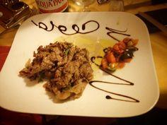 Straccetti di manzo con aglio e rosmarino. Le ricette dello Chef del ristorante Giglio Rosso di Firenze.