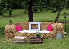 Idée de décor pour un photo booth champêtre et simple!
