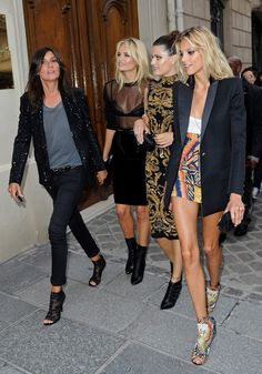 Fashion power players. Emanuelle Alt, Natasha Poly, Isabeli Fontana, Anja Rubik. Dressed impeccably well.