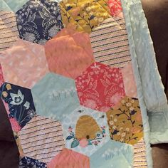 Handmade baby blanket quilt made by @wildlupinestitchworks featuring Nectar fabric by Hawthorne Threads