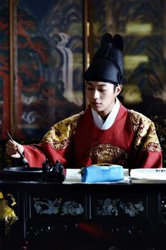 Yoon Doo-joon and Kim Seul-gi's time-slip fantasy romance » Dramabeans Korean drama recaps