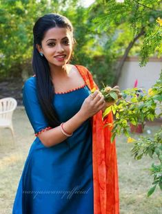 Salwar Neck Designs, Kurta Neck Design, Dress Neck Designs, Kurta Designs Women, Fancy Blouse Designs, Stylish Dress Designs, Kurti Sleeves Design, Sleeves Designs For Dresses, Churidhar Designs
