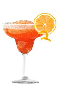 FROZEN SANGRÍA MARGARITA 2 oz Camarena Tequila Plata 1 oz Prima Licor de naranja ¾ oz jugo de limón ¾ oz jugo de limón ¾ oz néctar de agave 1 ½ c. hielo picado 2 oz botella de sangría Decoración: naranja rueda